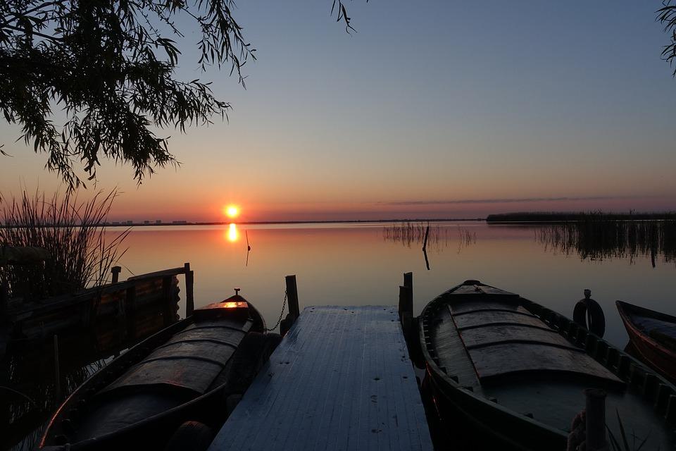 puesta de sol paseo en barca albufera